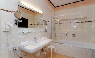 Komfortables Doppelzimmer, Kategorie Standard in Stoll's Hotel Alpina in Schönau am Königssee / Berchtesgaden