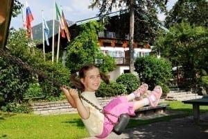 Spielplatz im Freien in Stoll's Hotel Alpina in Berchtesgaden / Schönau am Königssee