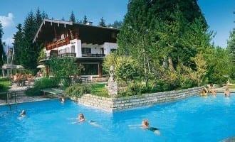 Stoll's Hotel Alpina – Hotel mit Schwimmbad – beheizter Aussenpool in Berchtesgaden / Schönau am Königssee